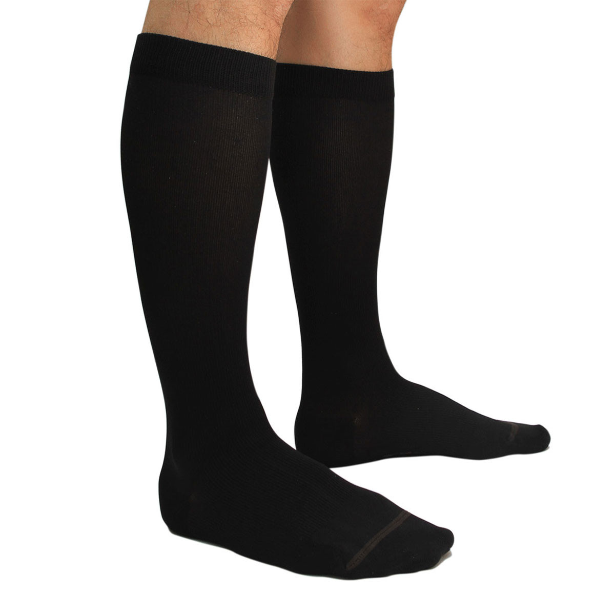 male-model-wearing-comfort-mens-compression-socks-by-txg-new-zealand